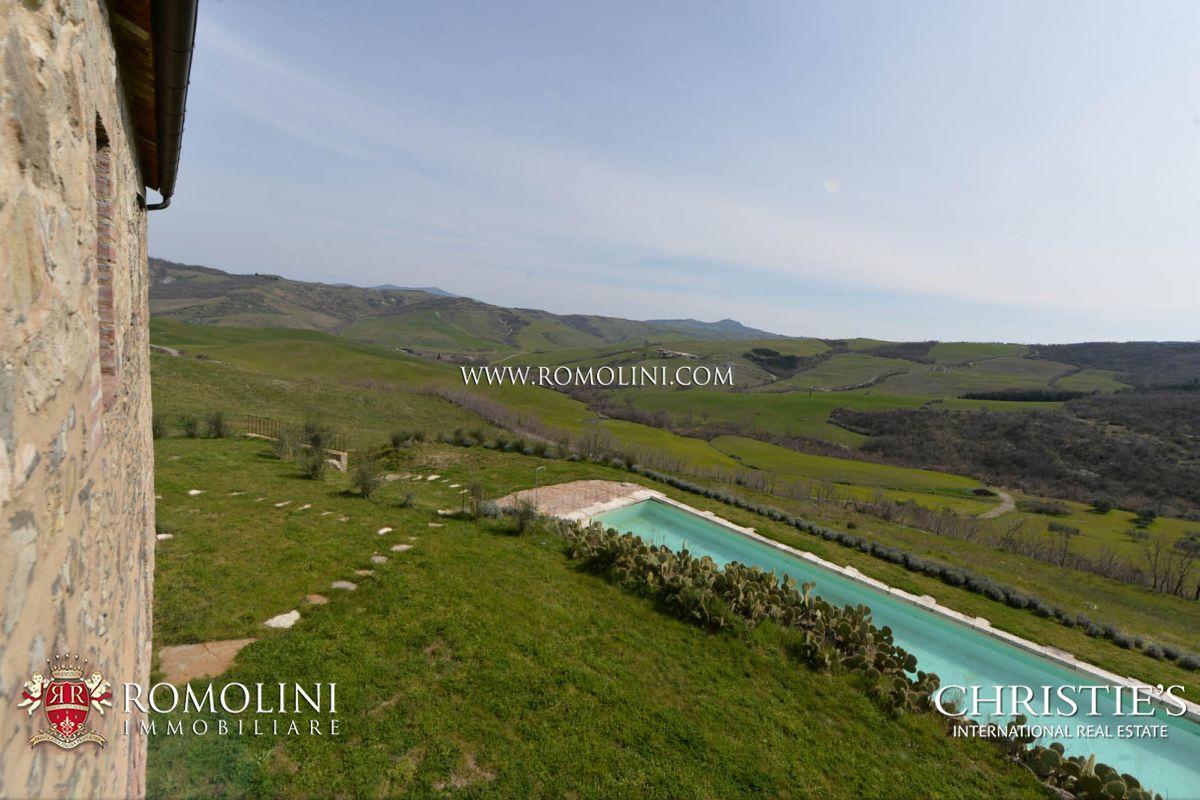 Casale con piscina in vendita in val d 39 orcia toscana - B b toscana con piscina ...