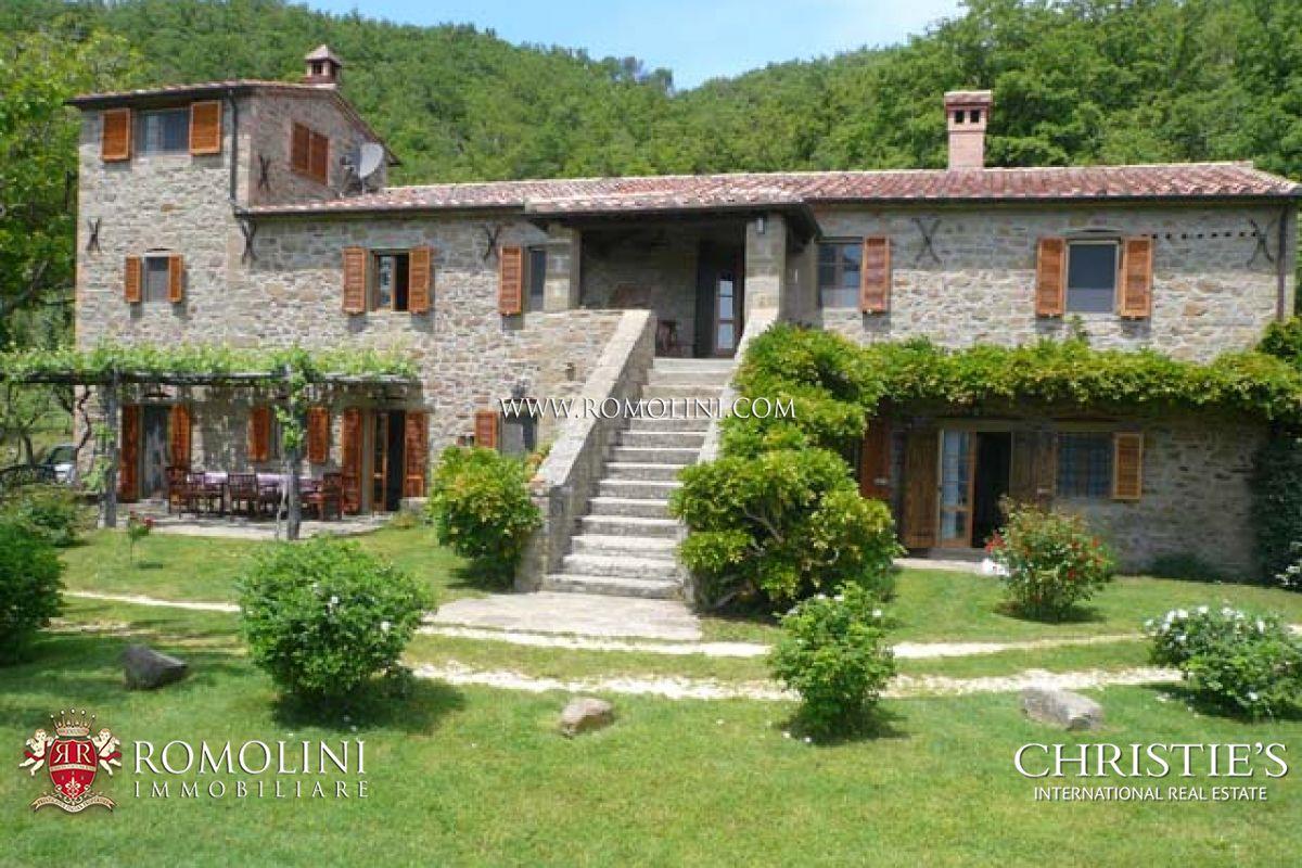 Casale in pietra in vendita in toscana for Subito toscana arredamento