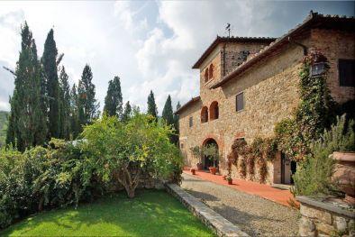 Sequestrata Villa Con Piscina Umbria