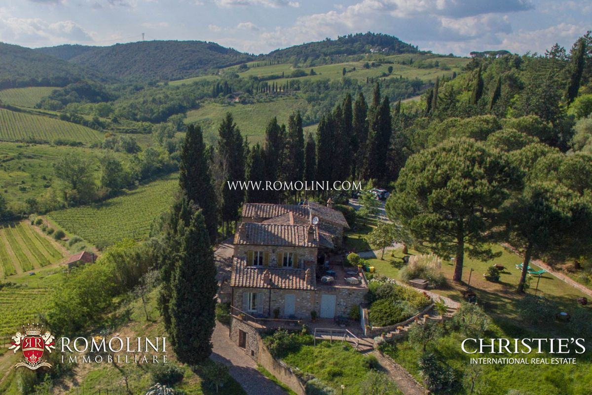 Casale Con Cantina E Vigneto In Vendita A Siena Toscana